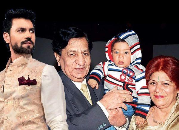 गौरव चोपड़ा के माता-पिता की जान कोरोना से गई थी।