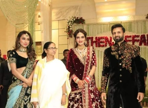 Mamta Banerjee also reached Nusrat Jahan and Nikhil Jain's reception in Kolkata.