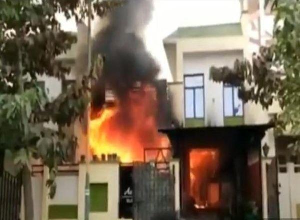 बदले की आग में जल गया महंगा विला और मिट गई चार जिंदगियां