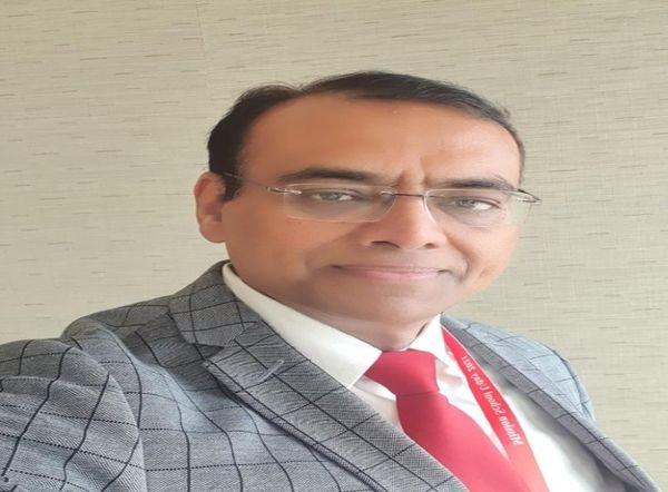 डॉ. शलभ कुमार-एकेडमी ऑफ पीडियाट्रिक, यूपी चैप्टर प्रभारी।