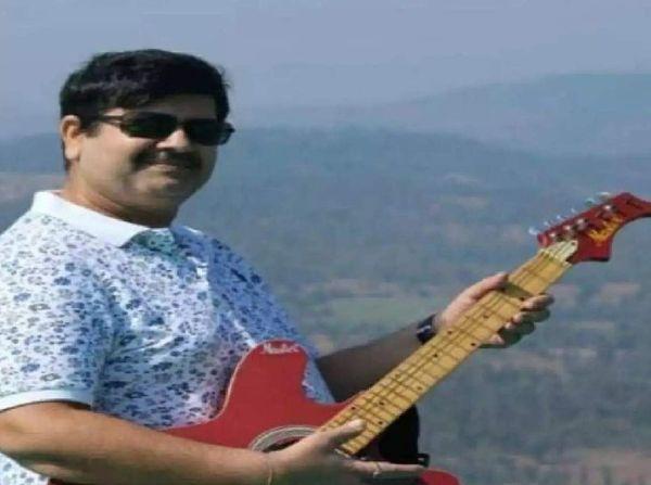 मनसुख ठाणे में ऑटो पार्ट्स के कारोबार में थे और सचिन वाज को लंबे समय से जानते थे।