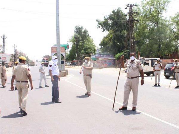 हनुमानगढ़ में पुलिस ने जगह-जगह कर दी है ऐसी नाकाबंदी।