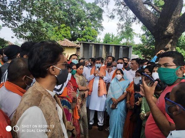 सांसद विजय बघेल ने कहा कि भूपेश बघेल सरकार ने बेशर्मी की हद पार कर दी हैं। उनकी दमनकारी नीति से भाजपा डरने वाले नहीं हैं।