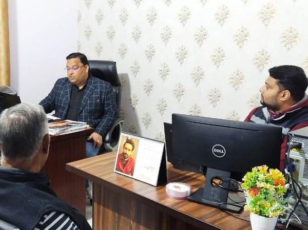 लॉकडाउन में नौकरी जाने के बाद प्रशांत ने अपना बिजनेस करने का रिस्क लिया और ऑप्टिकल कंपनी की शुरुआत की।