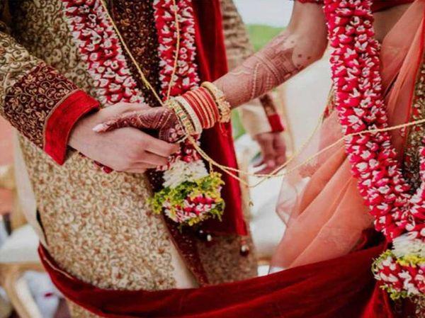 લગ્ન પ્રસંગમાં 100ને બદલે 200 વ્યક્તિને છૂટ આપવામાં આવી છે.