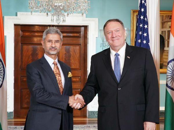 विदेश मंत्री माइक पोम्पियो (दाएं) के साथ जयशंकर। - Dainik Bhaskar