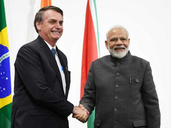 ब्राजील के राष्ट्रपति जेायर बोल्सोनारो के साथ प्रधानमंत्री नरेंद्र मोदी। -फाइल फोटो - Dainik Bhaskar