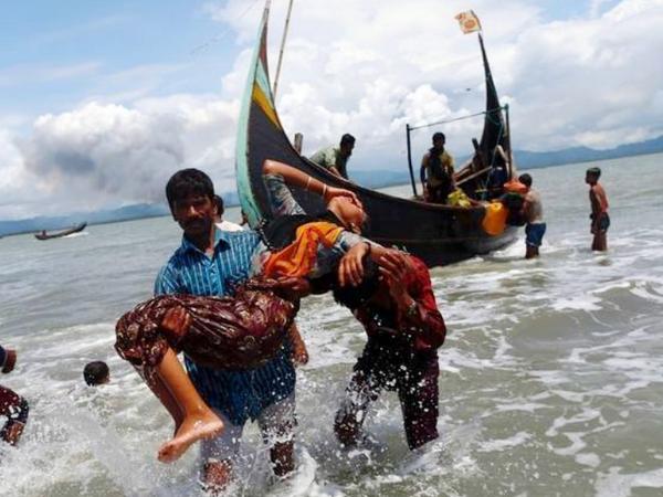 नाव पर 150 से ज्यादा लोग सवार थे जबकि इसकी क्षमता सिर्फ 50 लोगों की थी। - Dainik Bhaskar