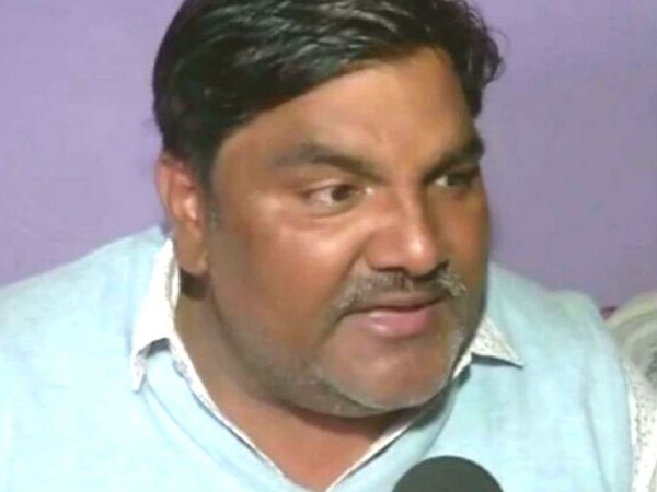 आप से निलंबित पार्षद ताहिर हुसैन। (फाइल फोटो) - Dainik Bhaskar