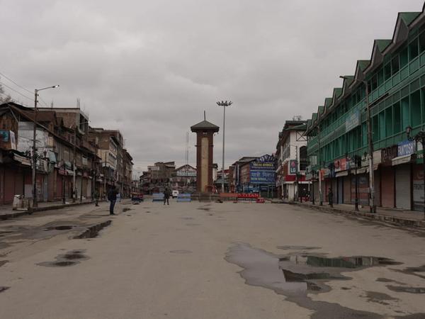 जम्मू-कश्मीर में अब तक कोराना संक्रमण के 11 मामले सामने आए हैं। यहां अब पूरी तरह लॉकडाउन है। - Dainik Bhaskar