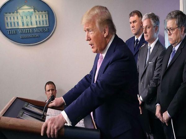 अमेरिकी राष्ट्रपति ट्रम्प ने कहा- देश में वेंटिलेटर्स की संख्या जल्द जरूरत से ज्यादा होगी।-फाइल फोटो - Dainik Bhaskar