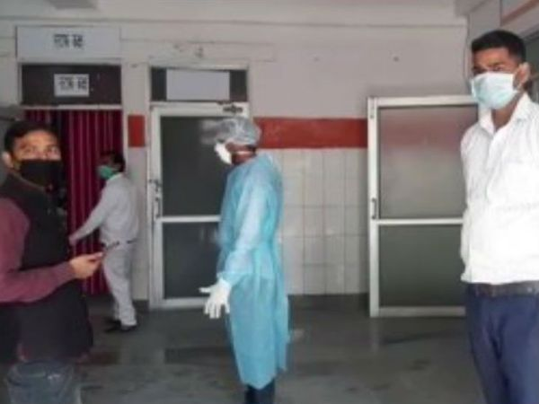 फिरोजाबाद में अस्पताल में गंदगी फैलाने वाले 27 जमातियों के खिलाफ केस दर्ज किया है।