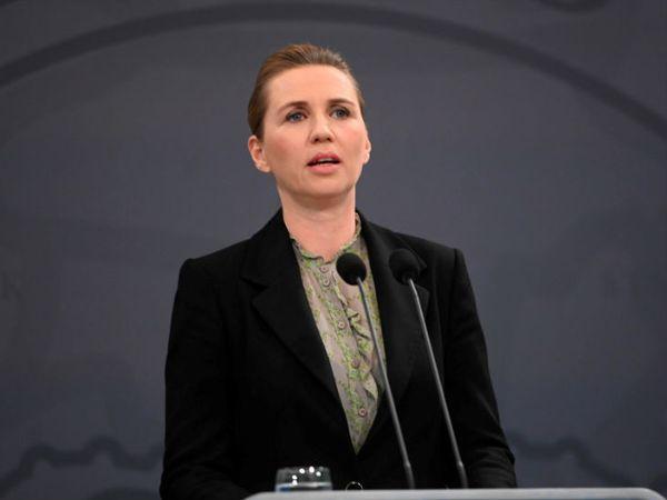 डेनमार्क की प्रधानमंत्री मेटे फ्रेडरिकसेन ने कोरोनहाजेन में कार्यालय में कोरोनोवायरस के बारे में जानकारी दी।