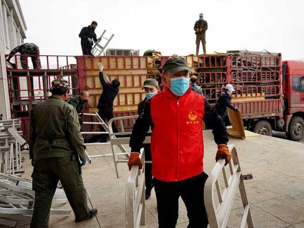 चीन रूस बॉर्डर पर कोरोना मरीजों के इलाज के लिए अस्पताल बना रहा है।