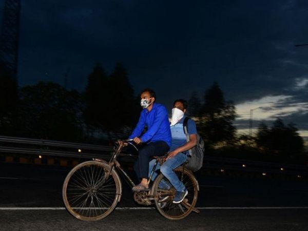 शादी के लिए युवक अपने दोस्त संग लुधियाना से महाराजगंज तक के लिए साइकिल से निकल पड़ा। (प्रतीकात्मक)