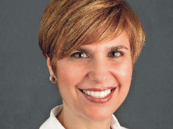 डॉक्टर लोर्ना एम ब्रीन मरीजों का इलाज करते-करते वो खुद इनफेक्टेड हो गई थीं। - Dainik Bhaskar