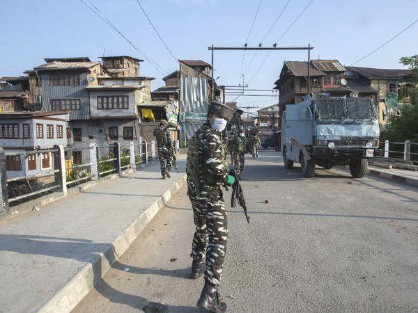 एनकाउंटर के लिए सुरक्षाबलों ने पूरे इलाके को घेर लिया था।