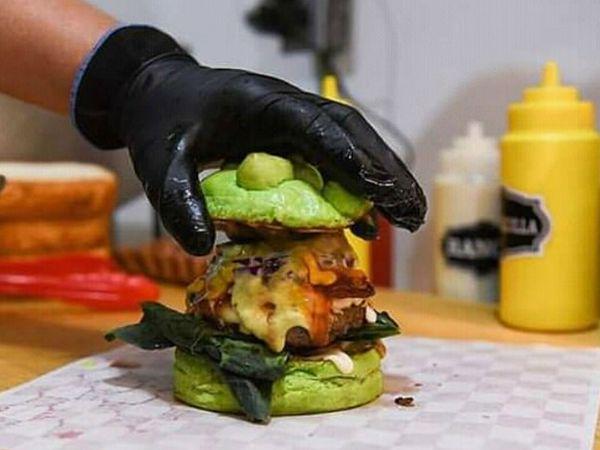 रेने का कहना है कि उम्मीद है जैसे-जैसे महामारी का असर कम होगा बर्गर खाने वालों की मांग बढ़ेगी।