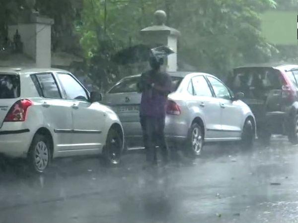 मानसून टकराने के दिन यानी 1 जून को ही तिरुवनंतपुरम में तेज बारिश हो रही है।