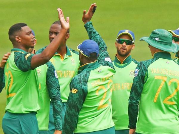सॉलिडैरिटी कप में दक्षिण अफ्रीका के 24 टॉप प्लेयर्स अलग-अलग टीम टीमों की तरफ से खेलने वाले हैं। कगिसो रबाडा को किंगफिशर्स और काइट्स का कप्तान क्विंटन डीकॉक को बनाया गया है। -फाइल - Dainik Bhaskar