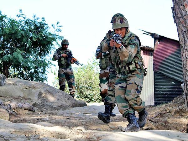 एलओसी के राजौरी और पुंछ सेक्टर के करीब पाकिस्तानी आर्मी ने काफी पहले से ही जवानों को तैनात किया था। - Dainik Bhaskar