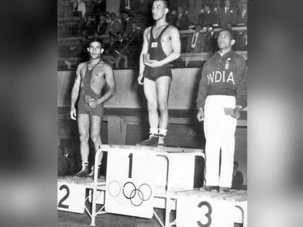 1952 हेलसिंंकी ओलिंपिक में केडी जाधव ने रेसलिंग में पहला व्यक्तिगत मेडल दिलाया था।