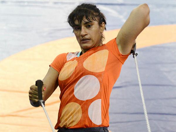 विनेश फोगाट कॉमनवेल्थ और एशियन गेम्स में गोल्ड जीतने वाली पहली भारतीय महिला रेसलर हैं।