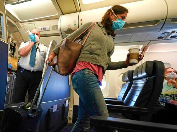 ईयू के डिप्लोमैट्स की शुक्रवार को एक मीटिंग हुई। इसमें कुछ देशों से आने वाले यात्रियों पर प्रतिबंध के बारे में विचार किया गया। माना जा रहा है कि 1 जुलाई से अमेरिका, रूस और ब्राजील से आने वाले पैसेंजर्स पर रोक लगा दी जाएगी। (फाइल)