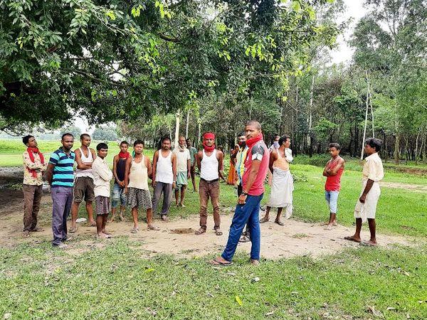 ये वही जगह है, जहां लालबंदी गांव के युवकों पर नेपाली की आर्मी ने गोली चलाई थी।
