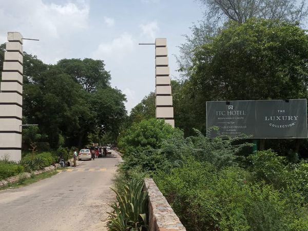 आईटीसी रिजॉर्ट जहां अंदर कांग्रेस के राजस्थान के बागी विधायक मौजूद हैं। - Dainik Bhaskar