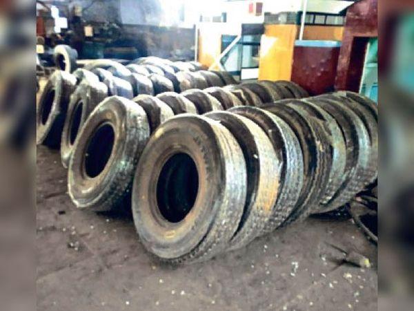 जींद. वर्कशॉप में रखे रि-सोल हुए टायर। - Dainik Bhaskar