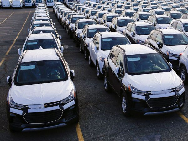 जून 2020 में सभी प्रकार के वाहनों के उत्पादन में 51.44 फीसदी की गिरावट रही है। - Dainik Bhaskar