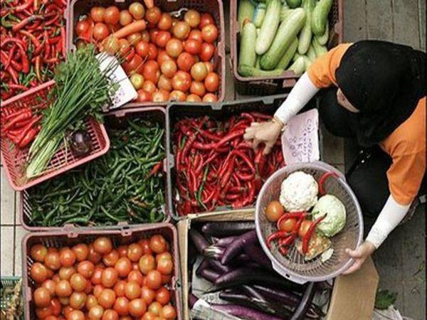 टमाटर, आलू और धान ने प्राथमिक वस्तुओं (अनप्रोसेस्ड फ़ूड) में खाद्य मुद्रास्फीति को पीछे धकेल दिया - Dainik Bhaskar
