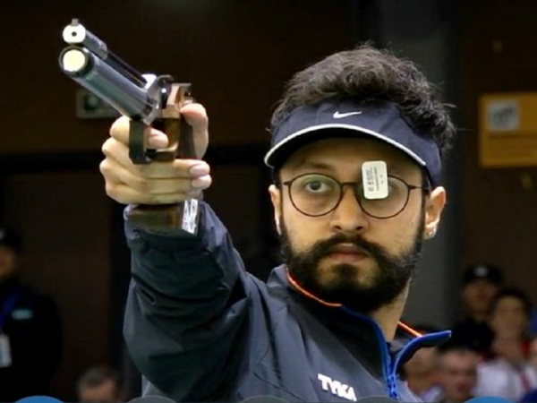 अभिषेक वर्मा ने कहा कि फिलहाल मैं अपने घर पर ही प्रैक्टिस कर रहा हूं। शूटिंग हमेशा मेरी पहली   प्राथमिकता रहेगी। -फाइल - Dainik Bhaskar