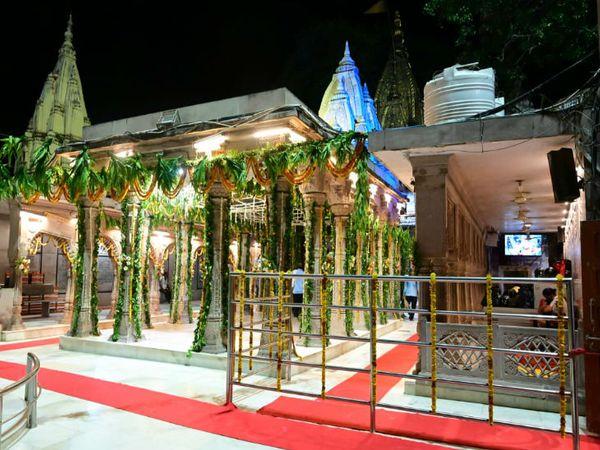 वाराणसी का काशी विश्वनथ मंदिर। - Dainik Bhaskar