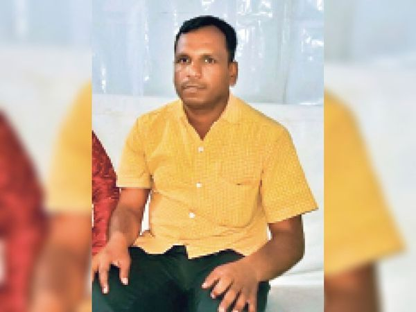 नागेंद्र तिवारी - Dainik Bhaskar