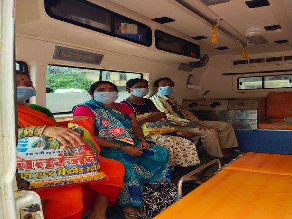 तस्वीर बिलासपुर के कोविड अस्पताल की है। यहां से 9 मरीजों को डिस्चार्ज किया गया। - Dainik Bhaskar