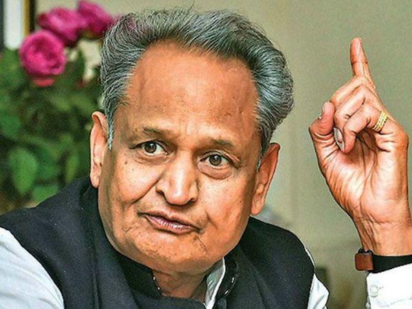 मुख्यमंत्री अशोक गहलोत (फाइल फोटो) - Dainik Bhaskar