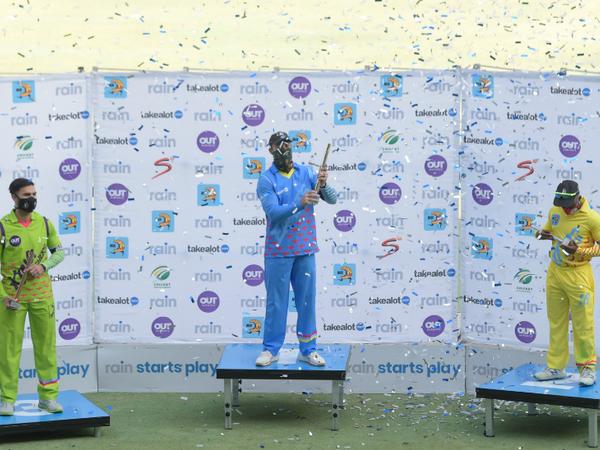 एबी डिविलियर्स की टीम ईगल्स ने 12 ओवर में सबसे ज्यादा 160 रन बनाकर गोल्ड मेडल जीता। डिविलियर्स ने 61 और एडेन मार्कराम ने 70 रन की पारी खेली। - Dainik Bhaskar