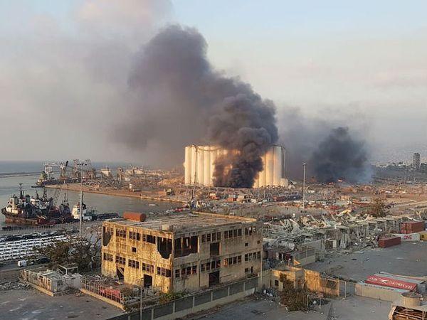 पोर्ट के पास हुए विस्फोट में कई लोग घायल हुए हैं।
