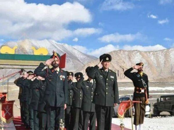 यह फोटो इस साल 26 जनवरी की है। तब भारत और चीन के सैन्य अफसरों की सालाना बैठक हुई थी। - Dainik Bhaskar