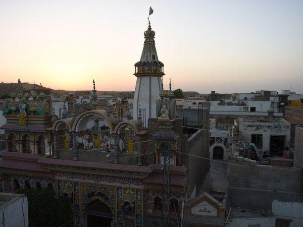 सिंध प्रांत स्थित मिठी में श्री कृष्ण का मंदिर। (रिजवान तबस्सुम/ एजेंसी फ्रांस-प्रेस)