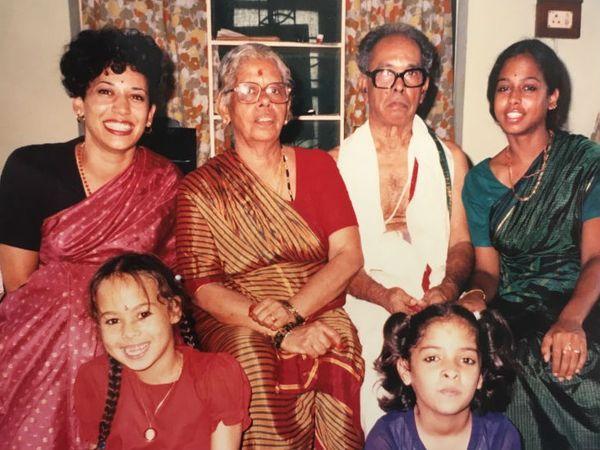 भारतीय संस्कृति में कमला हैरिस (पीछे की कतार में सबसे बाएं) की फैमिली फोटो। इसमें कमला के बगल में उनकी नानी राजम गोपालम, फिर नाना पीवी गोपालन और बहन माया हैरिस। आगे की कतार में माया की बेटी मीना (बाएं) और कजिन शारदा बालचंद्रन। (सोर्स- लॉस एंजिल्स टाइम्स)