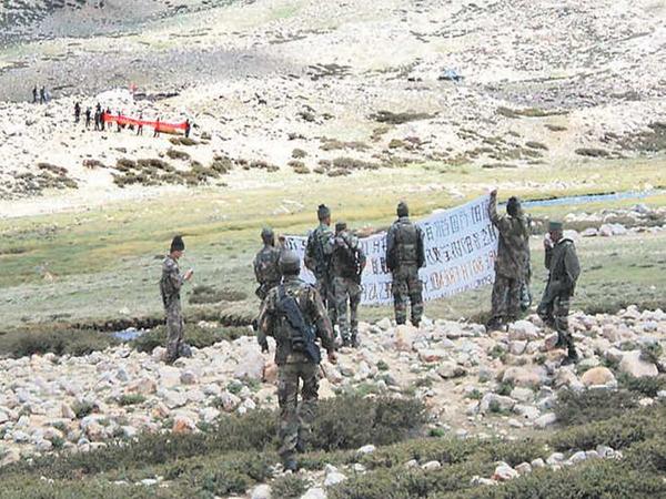 पूर्वी लद्दाख क्षेत्र में सैनिकों के डिसएंगजमेंट के लिए कई बार डिप्लोमेटिक और सैन्य स्तर पर बातचीत हुई है। -फाइल फोटो - Dainik Bhaskar