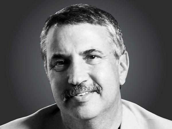 तीन बार पुलित्ज़र अवॉर्ड विजेता एवं 'द न्यूयॉर्क टाइम्स' में नियमित स्तंभकार - Dainik Bhaskar