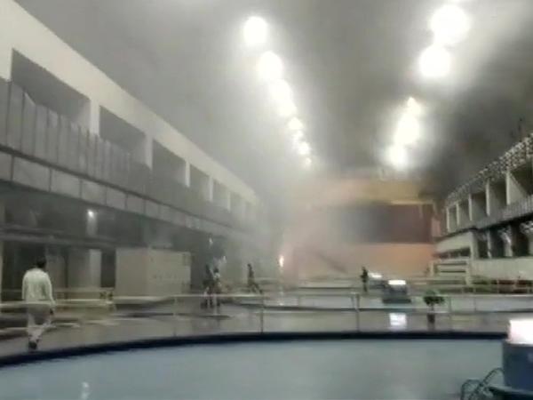 प्लांट में धुआं भर जाने की वजह से रेस्क्यू में परेशानी आई।