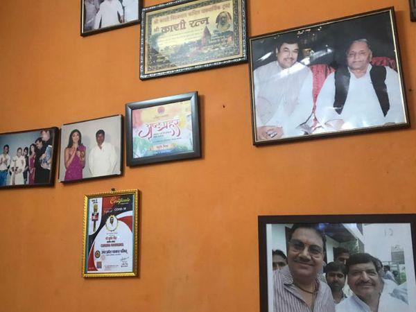 सुधीर सिंह की पहचान पूर्व सपा नेता के रूप में होती है। फिलहाल वे शिवपाल यादव की पार्टी प्रगतिशील समाजवादी पार्टी के प्रदेश सचिव हैं।