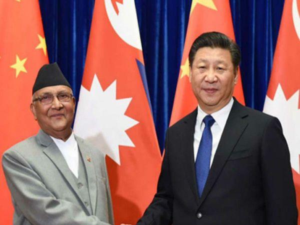 जून में विपक्षी पार्टी नेपाली कांग्रेस के तीन सांसदों ने प्रधानमंत्री केपी शर्मा ओली को चिट्ठी लिखकर चीन से जमीन वापस लेने की मांग की थी। - Dainik Bhaskar