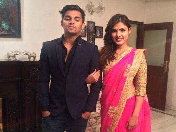 यह तस्वीर रिया और शोविक की साल 2016 की है। शोविक सुशांत की दो कंपनियों में पार्टनर भी थे। - Dainik Bhaskar