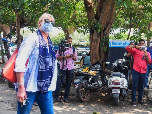 सुशांत की थेरेपिस्ट सुसान वालकर को भी पूछताछ के लिए बुलाया गया।
